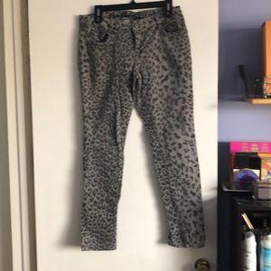 Denim - Women's animal print jeans